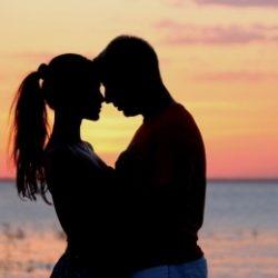 Пара ищет девушку в Кемерове для секса втроем