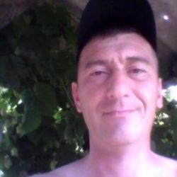 Парень ищет девушку в Кемерове для секса без обязательств