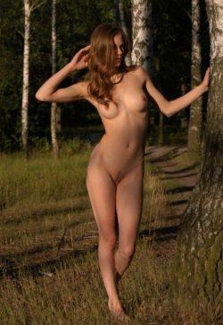 Молодая сексуальная девушка познакомится с мужчиной для интим встреч и взаимных наслаждений в Кемерове